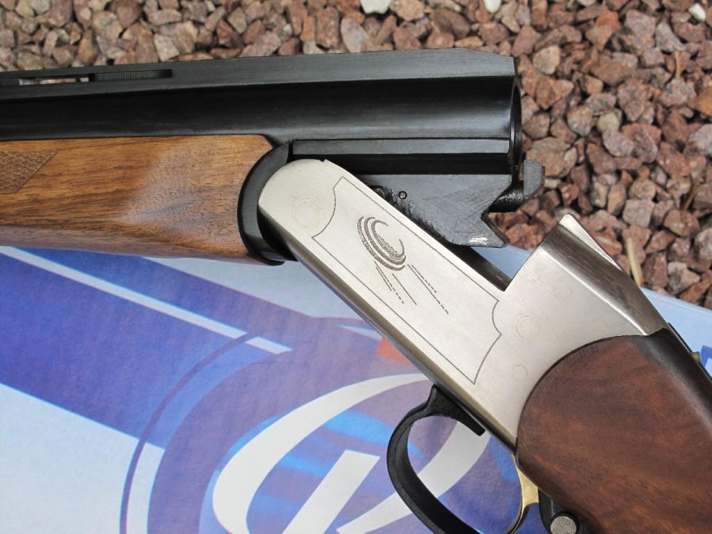 Quatrième volet de notre banc d'essai de la gamme des fusils russes Baïkal, avec le test de ce modèle mono canon « Sporting » MP-18 (également dénommé IJ-18 ou IZH-18) spécialement conçu pour l'initiation au ball-trap, chambré en calibre 12 Magnum (12/76).