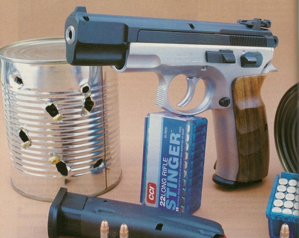 Instantanément adaptable sur la base (carcasse et mécanisme) d'un CZ 75, la conversion Kadet permet de disposer à moindre frais d'un pistolet de sport de calibre .22 Long Rifle d'excellente qualité, dont le poids, l'équilibre et la prise en mains sont identiques à ceux du modèle en calibre 9 mm Parabellum.