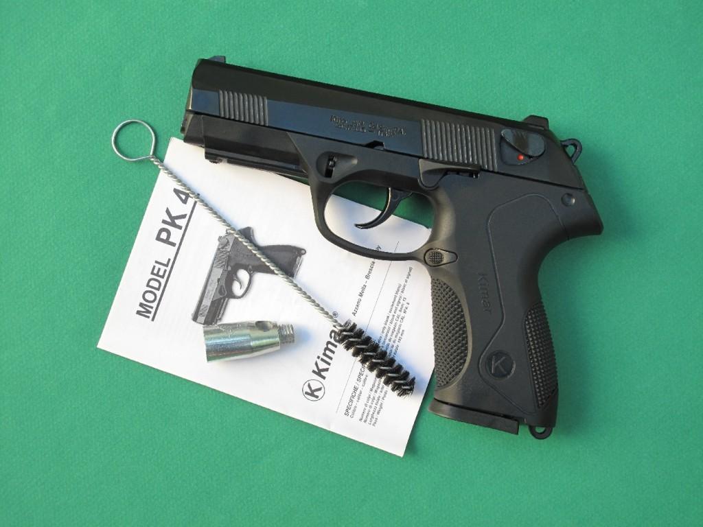 Le pistolet d'alarme Kimar PK4 est une copie du Beretta PX4 « Storm ». Il permet le tir des cartouches de calibre 9 mm PAK à blanc, des cartouches Flash, des cartouches lacrymogènes (à gaz CS ou OC), des fusées lumineuses de 15 mm (grâce à l'embout lance-fusée fourni) et des munitions de défense SAPL Self-Gomm, à balle en caoutchouc de calibre 18 mm.