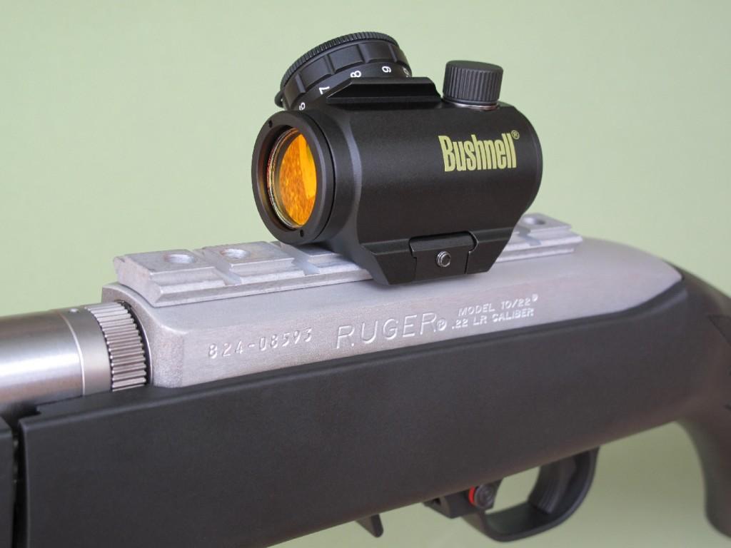 Nous avons ici équipé notre carabine d'essai d'un viseur à point rouge Bushnell TRS-25.