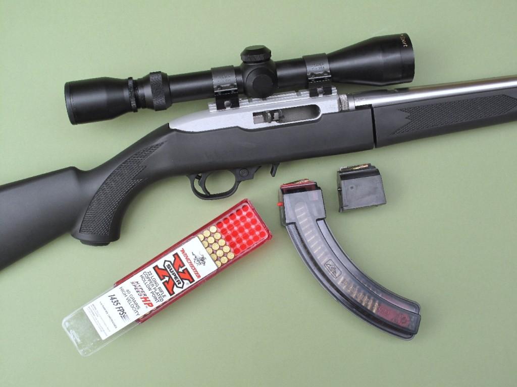 Nous avons ici équipé notre carabine d'essai d'une lunette BuckRidge 3-9×40 et d'un chargeur Butler Creek de 25 coups.