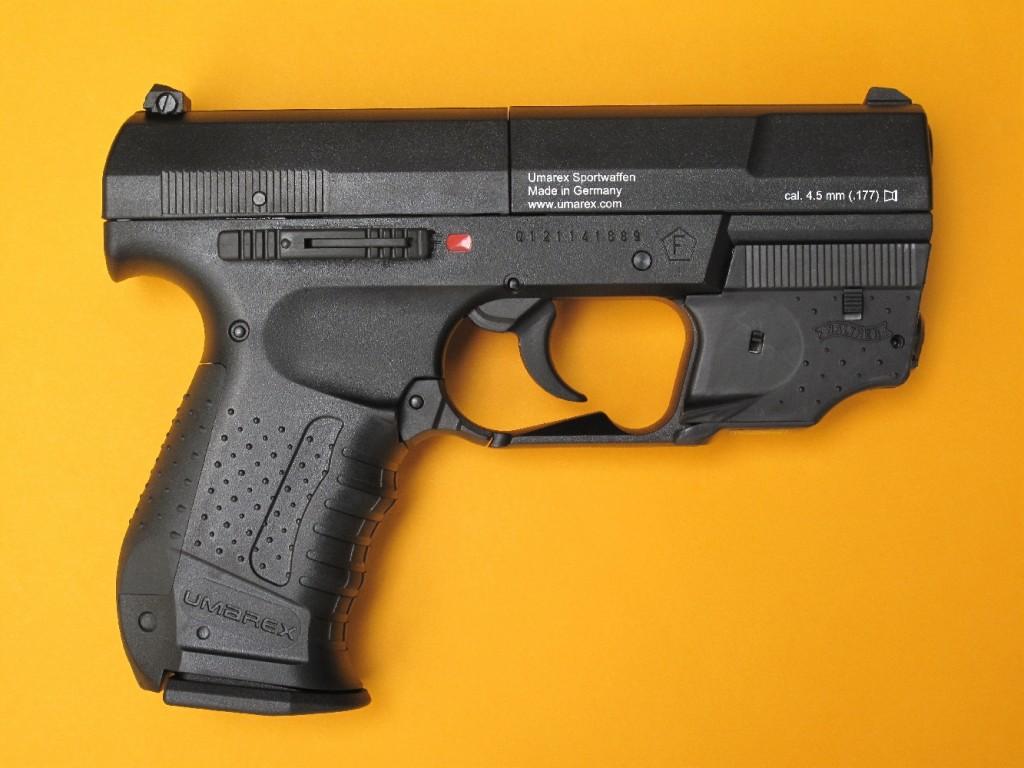 Le pistolet Umarex C.P.S. est une copie à CO2 du Walther P-99. Il fonctionne en DAO (Double Action Only) et dispose d'un barillet amovible de 8 coups que l'on approvisionne avec des plombs de calibre 4,5 mm (.177) de type diabolo. La propulsion des projectiles est assurée par une capsule de 12 g de gaz carbonique (CO2).